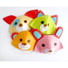 animal party hats would look so cute on!
