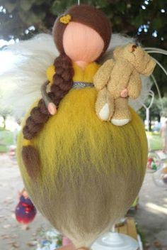 fada feltrada com agulha - needle felt - com urso by TERRA DE CORES