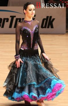 Ballroom dress with a touch of Latin.. Bressai.dk