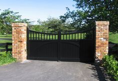 Customised Styles & Ideas : Wooden Gates Fences driveway gates Wooden gate manufacturers Auckland New Zealand Waiuku