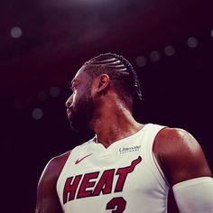 21 giugno del 2012, l'armata dei Miami Heat si abbatte sugli OKC Thunder di Kevin Durant, Russell Westbrook e James Harden.  LeBron James: 26-13-11-2-1 Dwyane Wade: 20-8-3-2-3 Chris Bosh: 24-7-2-1 Oltre a loro Mike Miller ne mette 23 con 5 rimbalzi e l'87.5% da tre, Chalmers altri 10 e Battier 11.  Il 20 giugno del 2006 invece grazie alla vittoria contro Dallas i Miami Heat vincevano il loro primo titolo.  One man show con Dwyane Wade a guidare la squadra composta da Shaq (solo 9 punti) Jason Wi Dwyane Wade, Chris Bosh, James Harden, Russell Westbrook, Kevin Durant, Miami Heat, Lebron James, Comebacks, Nba