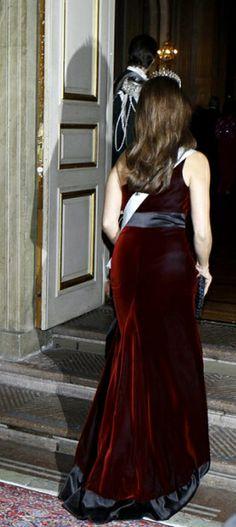 princesse madeleine Swedish Royals, Royalty, Backless, Victoria, Formal Dresses, Fashion, Princess Madeleine, Royals, Dresses For Formal