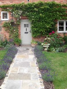 Cottage Garden Path | cottage garden stone path