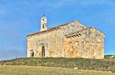 Coruña del Conde, provincia de Burgos - Ermita del Santo Cristo de San Sebastián, ábside cuadrado de origen Visigodo