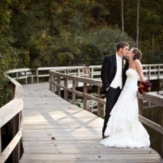 When fall ideas are needed, check out this posting. It's perfect to inspire your autumn wedding!