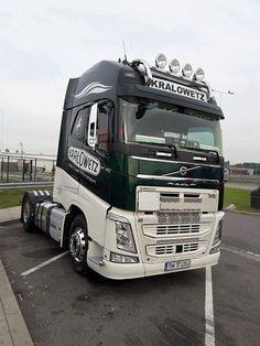 VOLVO Volvo Trucks, Good News, Recreational Vehicles, Dream Cars, Wheels, Modern, Truck, Trendy Tree, Camper Van
