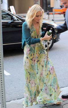 Fashion Beauty Glamour: Nicole Richie - new blonde hair and boho style