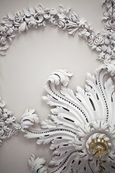 Flower Ceiling, Ceiling Rose, Decorative Plaster, Stuck, Wood Carving Patterns, Acanthus, Moulding, Ceiling Design, Ceilings