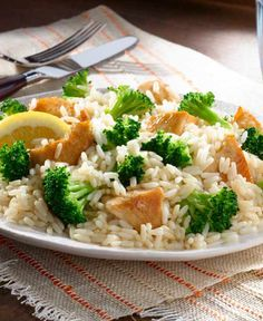 The best college meals are fast, easy and make great leftovers. This One Pot Lemony Broccoli Chicken Rice is a one-dish wonder with enough protein and veggies to power students through new classes. Get all the ingredients you need for affordable meals at Walmart.