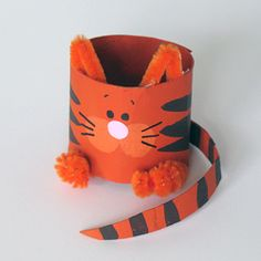 Saturday Spotlight: Recycled Crafts - Make and Takes | Make and Takes