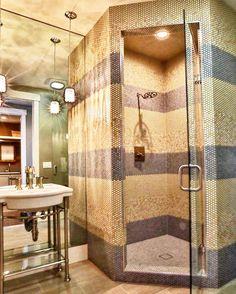 Arabesque Tile Backsplash, Kitchen Backsplash, Shower Floor Tile, Bathroom Floor Tiles, Bathroom Tile Designs, Shower Designs, Mosaic Wall, Wall Tile, Tile Showers