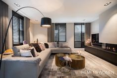 Heated design modern living rooms from heavenly living interior design advice modern wood wood Small Living Room Design, Living Room Modern, Home Living Room, Interior Design Living Room, Living Room Designs, Modern Apartment Design, Luxury Homes Interior, Luxury Home Decor, Interior Design Advice