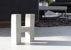DIY: Buchstaben aus Beton // diy furniture: concrete Letter kit via DaWanda.com