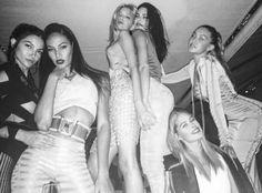 Night lily aldridge,joan,lily donaldson,kendall doutzen and gigi Kendall And Kylie, Kendall Jenner, Tie Up Dress, Lily Donaldson, Joan Smalls, Doutzen Kroes, Gal Pal, Friend Photos, Girl Gang
