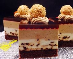 "z cukrem pudrem: ciasto ""Zmierzch"" (cappuccino) Note how nicely the gel lays over the combed cream. Polish Desserts, Polish Recipes, Cappuccino Coffee, Cappuccino Machine, Mousse Cake, Food Cakes, No Bake Cake, Delicious Desserts, Cake Recipes"