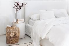 Joe bed white