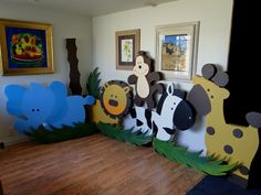 Oh my gosh, Big jungle animals! you could totally make these out of cardboard boxes :) Jungle Theme Birthday, Safari Theme Party, Safari Birthday Party, Jungle Party, Animal Birthday, Baby Party, 2nd Birthday Parties, Party Themes, Jungle Safari