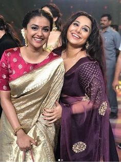 Recently an award function took place in Vizag and so many actresses actors from Tollywood and Bollywood also graced the event. Out of the pictures that Dress Indian Style, Indian Dresses, Indian Outfits, Silk Saree Blouse Designs, Bridal Blouse Designs, Dress Designs, Stylish Sarees, Trendy Sarees, Saree Trends