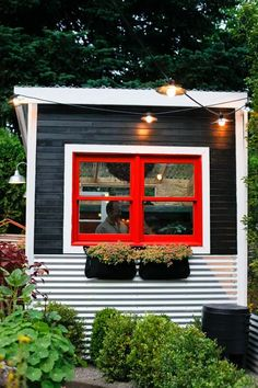 Rustic kids tree house inspiration Ok this is actually a garden shed not a tree house but the colors and tin paneling strike a chord Designer JJ De Sousa Photo Joshua McC. Outdoor Spaces, Outdoor Living, Pintura Exterior, Play Houses, Tree Houses, Amazing Gardens, Outdoor Gardens, Garden Design, Home And Garden