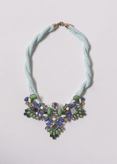 necklace colour inspiration.  #necklace #green #blue #black #yellow #golden #colorful #inspiration