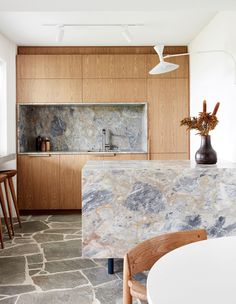 Stand-Out Kitchens To Inspire (The Design Files) Home Design, Home Interior Design, Interior Architecture, Coastal Interior, Modern Coastal, Diy Interior, Interior Paint, Deco Design, Küchen Design