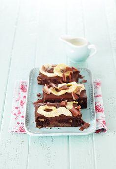 Apfel Brownies - Apfelkuchen: 4 neue Rezepte - Brownies sind an sich schon immer ein Hochgenuss. Hier gehen sie eine Liaison mit fruchtigen Äpfeln ein. Sehr verführerisch! Für die Apfel-Brownies brauchen Sie...