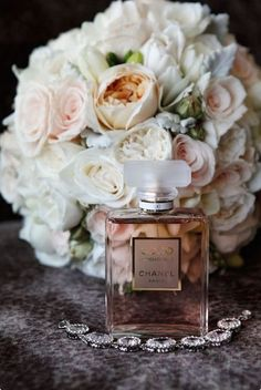 Pictured: Chanel - Coco Mademoiselle It would be great to take a photo of your bouquet and the perfume you wear that day together =]! Perfume Chanel, Perfume Fragrance, Pink Perfume, Chanel Chanel, Coco Mademoiselle, Simple Weddings, Real Weddings, Parfum Victoria's Secret, Parfum Rose