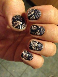 Minx nails rattlesnake