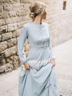 Sage green shirtwaist wedding dress with lace edging - Hochzeitskleid Vestidos Vintage, Vintage Dresses, Trendy Dresses, Blue Dresses, Lace Dress, Dress Up, Hijab Dress, Hijab Outfit, Marine Uniform