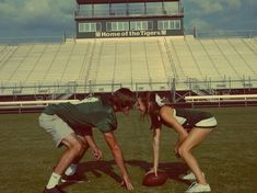 The typical football player and cheerleader couple. The typical football player and cheerleader couple. Cheer Football Couple, Cheer Couples, Cute Football Players, Football Boyfriend, Football Couples, Goals Football, Cute Couples Goals, Football Pics, Cheer Pictures
