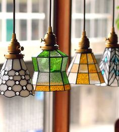 Simple and Impressive Tricks: Stained Glass Lamp Shades country lamp shades chairs. Stained Glass Pendant Light, Stained Glass Lamp Shades, Stained Glass Panels, Glass Pendants, Tiffany Stained Glass, Stained Glass Crafts, Stained Glass Designs, Deco Luminaire, Glass Wall Art
