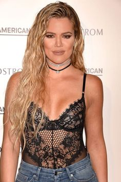 Damp Tresses - Big sister Kim stole the show at the 2016 MTV Video Music Awards with the wet look, so obviouslyKhloé had to try it herself.