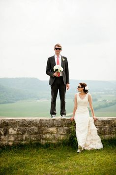 Wearing sunglasses at your wedding- how cool this is!