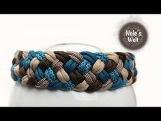 Paracord for beginners, braided pattern 5 strands, DIY instructions by NeleC. Braid Patterns, Purse Patterns, Bracelet Patterns, Paracord Tutorial, Bracelet Tutorial, Paracord Diy, Woven Bracelets, Paracord Bracelets, Diy Purse Accessories
