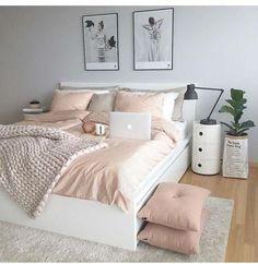 50 pink bedroom decor that you can try rosa Schlafzimmer Dekor, das Sie selbst. Pink Bedroom Decor, Dream Bedroom, Comfy Bedroom, Feminine Bedroom, Pastel Bedroom, Bedroom Themes, Diy Bedroom, Bedroom Yellow, Bedroom Goals