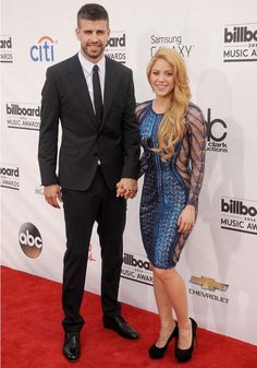 """""""Casal partilha dia de aniversário"""", Shakira e Piqué celebram hoje os seus """"40"""" e """"30"""" anos https://angorussia.com/entretenimento/famosos-celebridades/casal-partilha-dia-aniversario-shakira-pique-celebram-hoje-os-seus-40-30-anos/"""