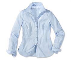 Bluse für 19,95€ - Mit blau-weiß gestreiften Einsätzen am Kragen.