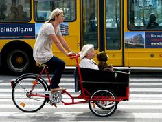 Copenhagen Cargo Bikes AWESOME Three Generations by Mikael Colville-Andersen via Flickr