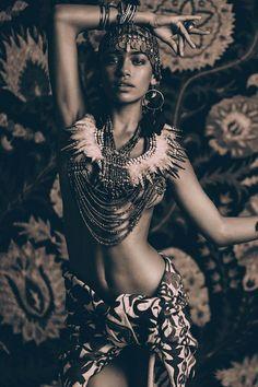 Zahara Davis by Nicoline Patricia Malina for Bohemian Diesel Moda Tribal, Tribal Mode, Black Is Beautiful, Beautiful People, Ethnic Fashion, African Fashion, Tribal Fashion Outfits, African Style, Style Fashion