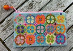 Embroidery small purse