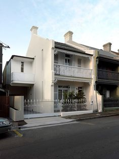 Located in Sydney, Paddington Terrace House is a family home masterfully renovated by Luigi Rosselli Architects. Melbourne Architecture, Australian Architecture, Australian Homes, Architecture Details, Terrace House Exterior, Facade House, Bungalows, Brick And Mortar, Home Wallpaper