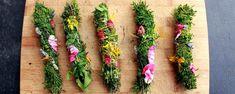 Como fazer incenso natural com ervas aromáticas - Incenso de ervas aromáticas secas serve para purificar e aromatizar o ambiente, trazendo o cheiro de campo para dentro de sua casa. Mas também são ótimos objetos de decoração e presentes muito originais, além de saudáveis, claro.      São muito fáceis de fazer e te ensinaremos como. ... - http://qualpedido.com/ecoblog/2016/03/05/como-fazer-incenso-natural-com-ervas-aromaticas/
