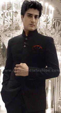 Mens Jodhpuri, wedding jodhpuri, designer jodhpuri, black bandhgala www.statusindiafashion.com