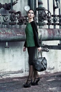 Giacca in seta verde e nera ~ Green and black silk jacket - di Fractures via it.dawanda.com