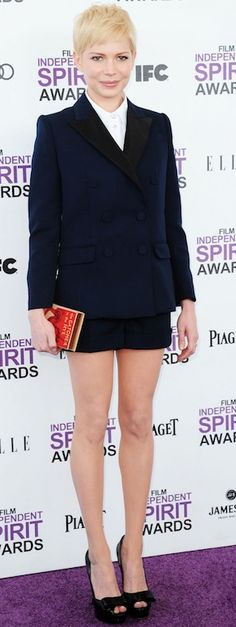 Michelle Williams with a Catcher In The Rye book clutch