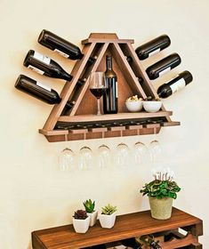 Wine Rack DIY - wine bottle and glasses storage with shelf… Woodworking Plans, Woodworking Projects, Woodworking Store, Woodworking Classes, Popular Woodworking, Wine Glass Rack, Patterned Sheets, Diy Holz, Wine Storage