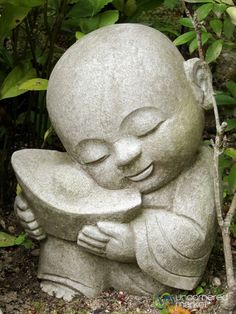 Little Buddha holding a taco Gautama Buddha, Buddha Buddhism, Buddha Meditation, Buddha Art, Buddha Peace, Baby Buddha, Little Buddha, Buda Zen, Statues