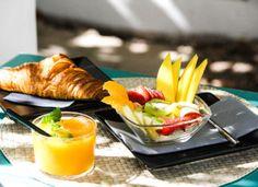 Breakfast in Sa Vinya Café in Es Pujols #savinya