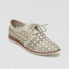 Rank & Style Top Ten Lists | DV Dolce Vita Lace Up Oxford Flats - Moe Perforated #rankandstyle