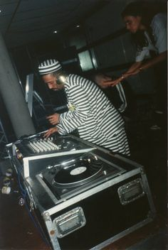 old school dj style, The Darkraver. Check  on YouTube his B2S top 10 dj-set even his Acid Break Tech Mix is awesome.